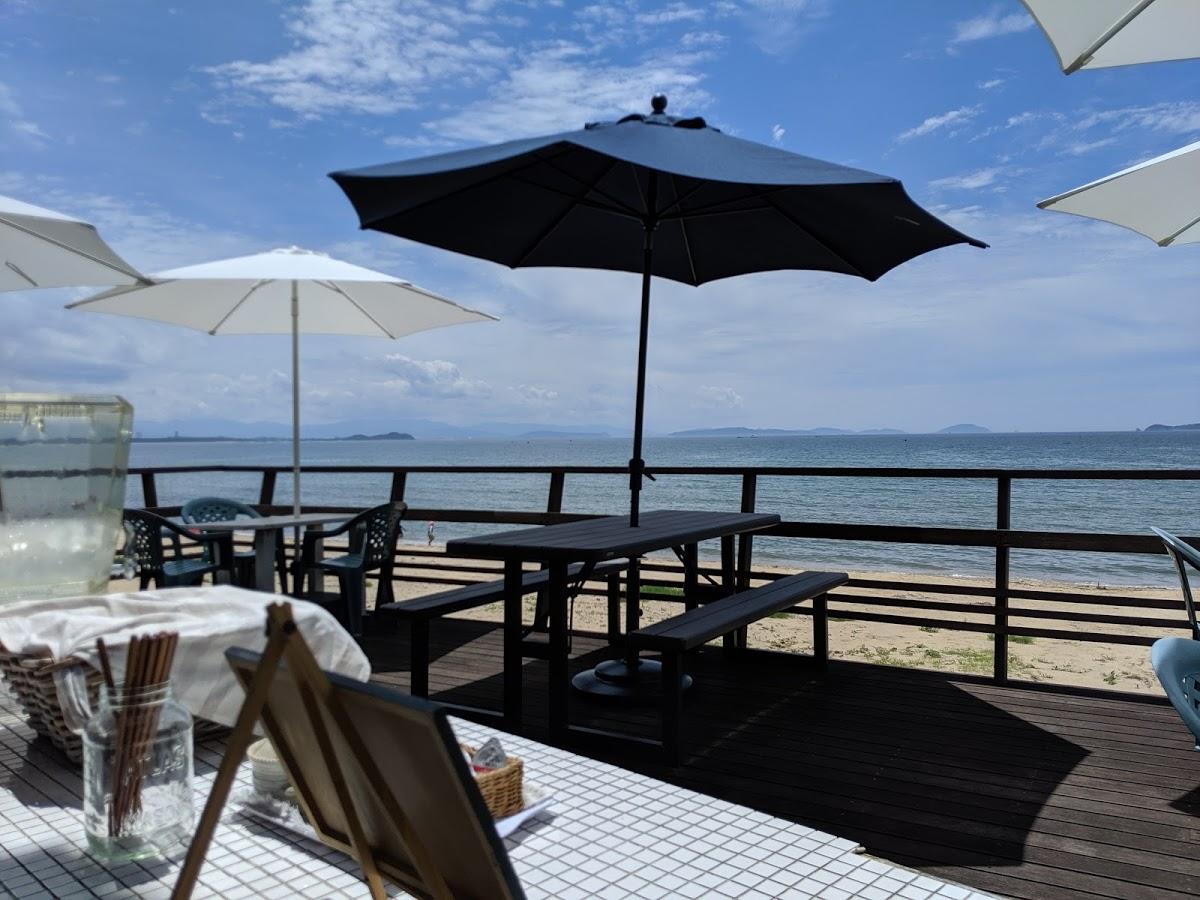 海沿いの「ランドシップカフェ(LAND SHIP CAFE)」で絶景を楽しみながらランチしたら最高だった【福岡県福津市の海の見えるカフェ】